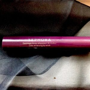 Sephora Color Enhancing Lip Scrub in Berry